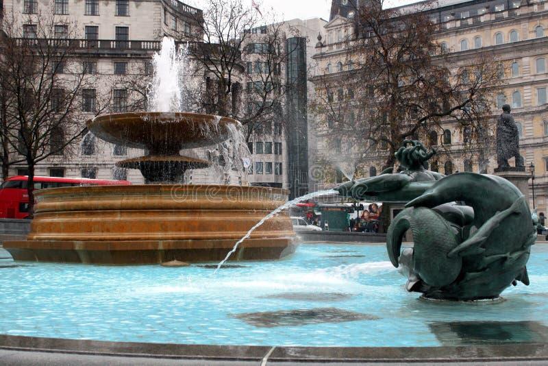 Fontaine de place trafalgar de Londres image libre de droits