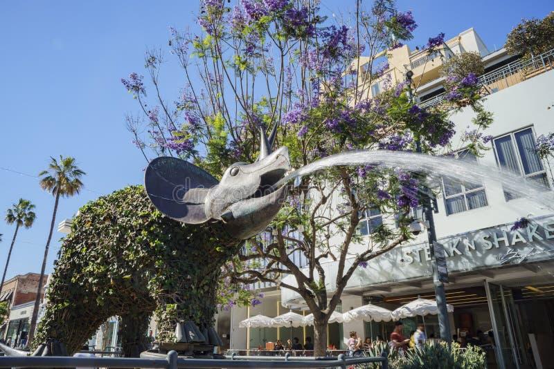 Fontaine de statue de style de dinosaure chez Santa Monica photo stock