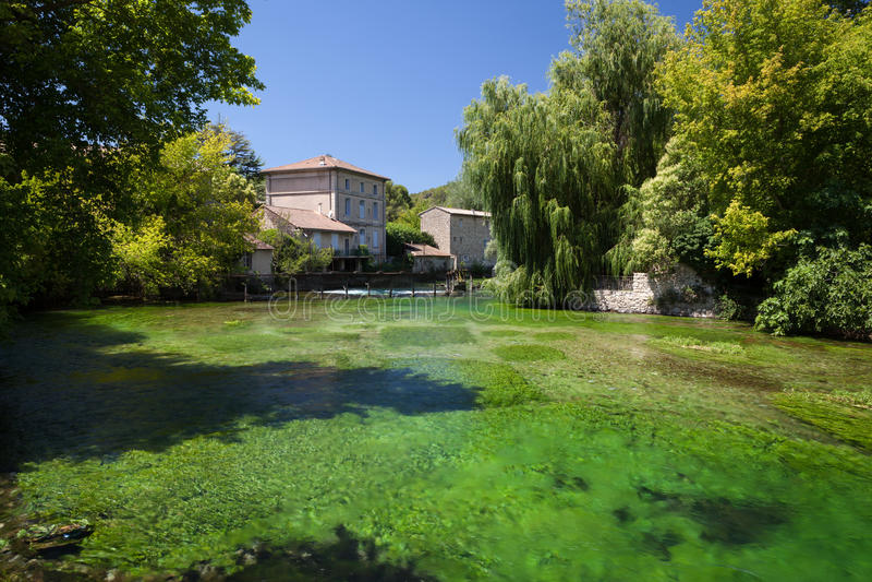 Fontaine-De-Vaucluse, Provence, France photographie stock libre de droits