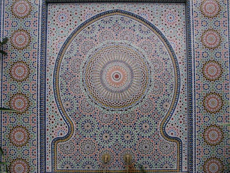 Fontaine de Zellij avec la mosaïque chez Griffith Park Conservatory photographie stock