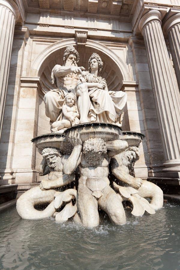 Fontaine devant Albertina, Vienne photo libre de droits