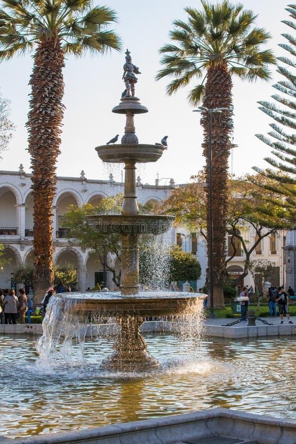 Fontaine en au sol de défilé Arequipa Pérou images libres de droits