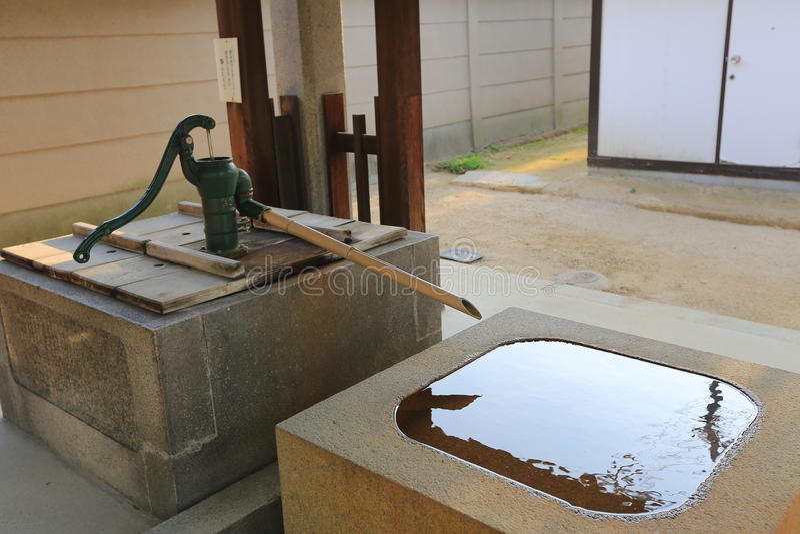 Fontaine en bambou japonaise photo stock