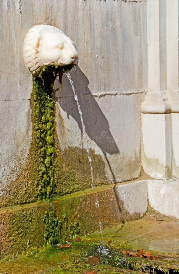 Fontaine en pierre photos stock