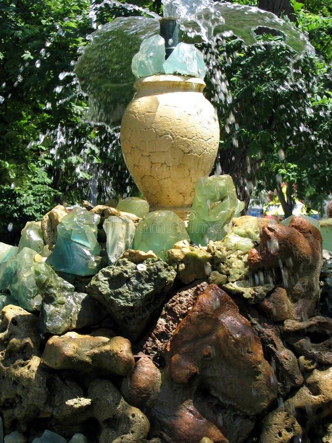 Fontaine en pierre images libres de droits