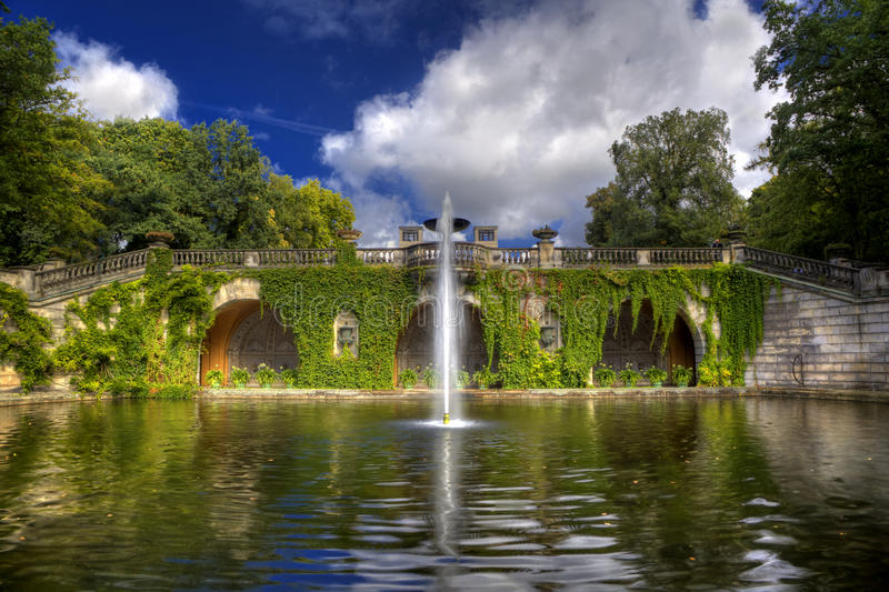 Fontaine en stationnement de Sanssouci à Potsdam, photo stock
