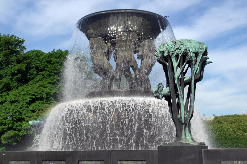 Fontaine en stationnement de Vigeland photo stock