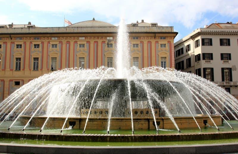 Fontaine et Palais des Doges, Gênes photo stock