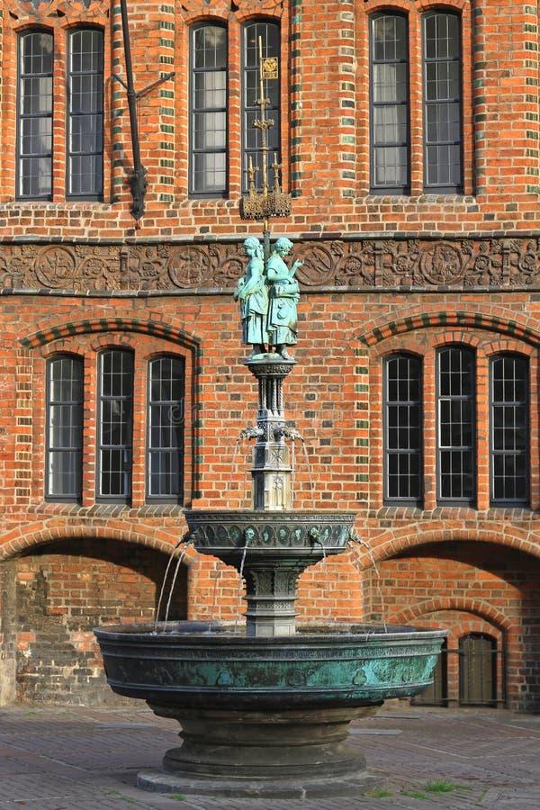 Fontaine Hanovre de Marktkirche photographie stock libre de droits
