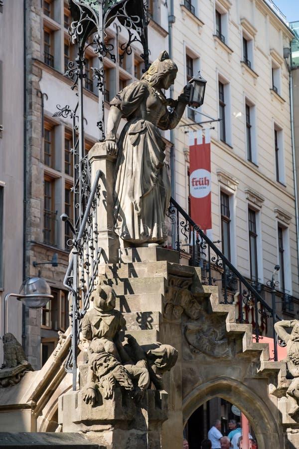 Fontaine Heinzelmaennchenbrunnen à Cologne, Allemagne photo libre de droits