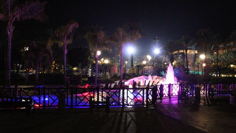 Fontaine le parc coloré image libre de droits