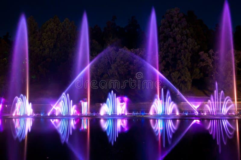 Fontaine magique images libres de droits