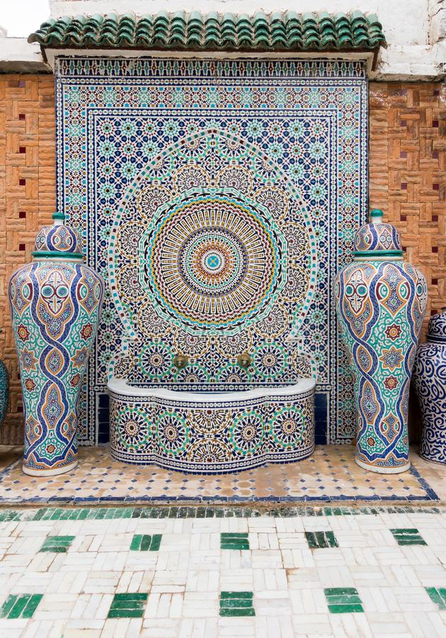 fontaine marocaine jardin interesting dcoration jardin marocain terrasse roubaix sous. Black Bedroom Furniture Sets. Home Design Ideas