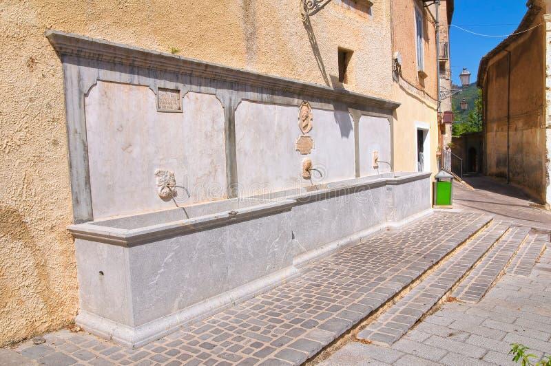 Fontaine monumentale Morano Calabro La Calabre l'Italie images libres de droits