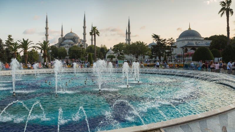 Fontaine près de Sultan Ahmed Mosque Blue Mosque, Istanbul, Turquie images stock
