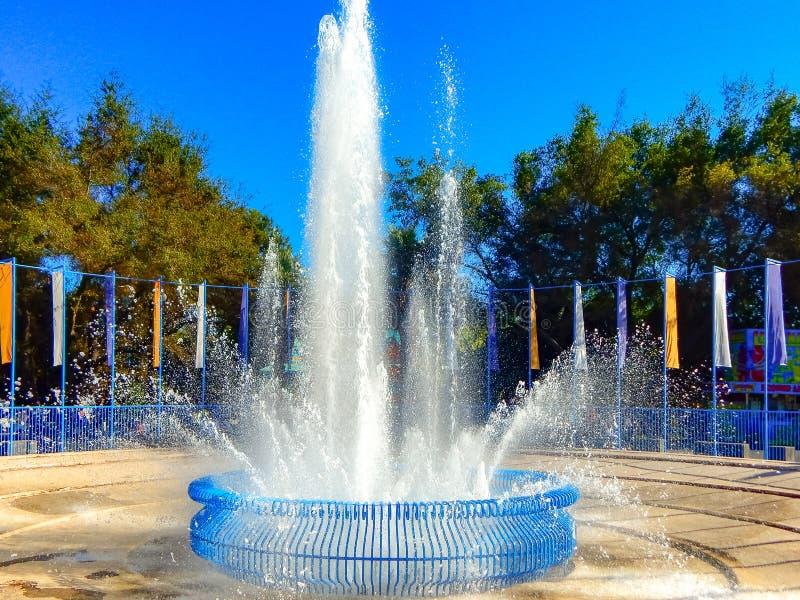 Fontaine très haute juste d'état de la Californie photo stock