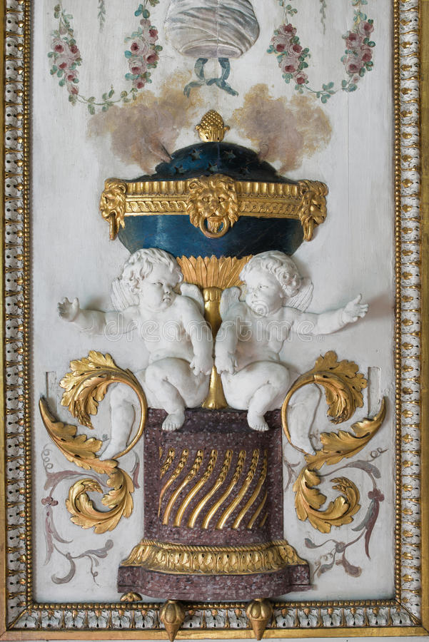 Fontainebleau, France - 15 août 2015 : Détails, statue et meubles photographie stock