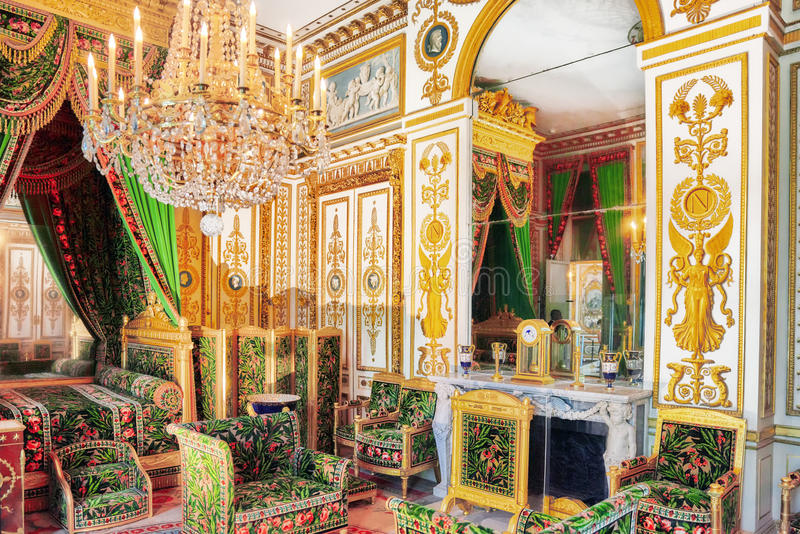 FONTAINEBLEAU, FRANKREICH - 9. JULI 2016: Fontainebleau-Palast int lizenzfreie stockbilder
