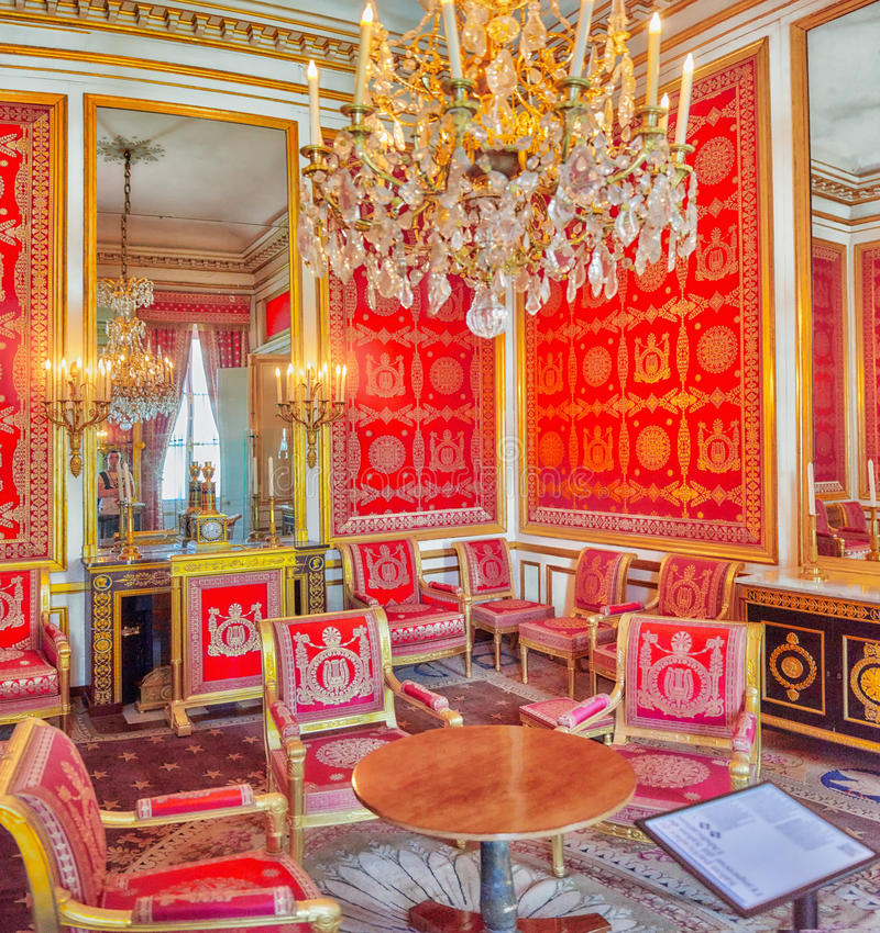 FONTAINEBLEAU, FRANKREICH - 9. JULI 2016: Fontainebleau-Palast int stockbild