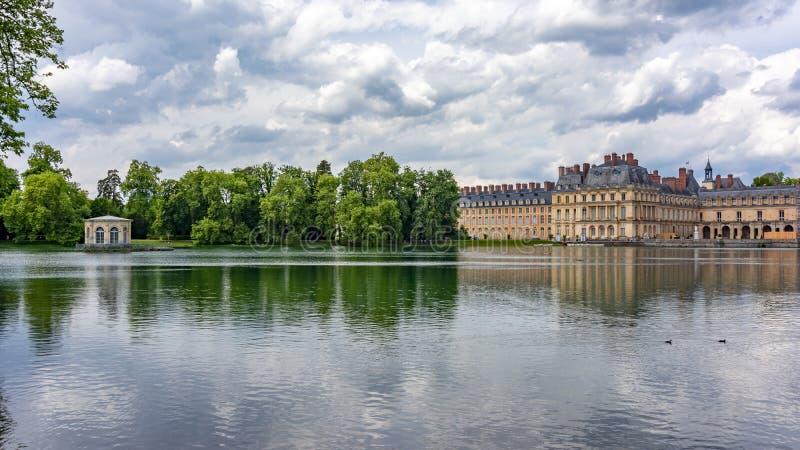 Fontainebleau pałac górska chata de Fontainebleau i park, Francja obrazy royalty free