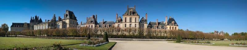 Fontainebleau-Schloss-Panorama lizenzfreies stockbild