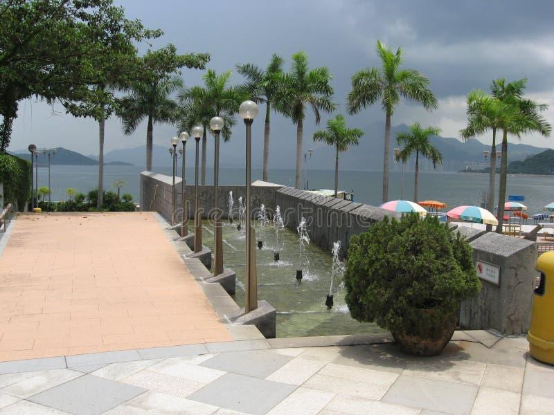 Fontaines au bord de la mer au parc de bord de mer de Tai Po, Hong Kong images libres de droits