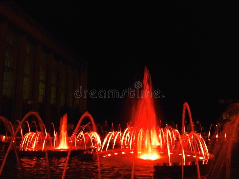 Fontaines chanteuses et de danses photo stock