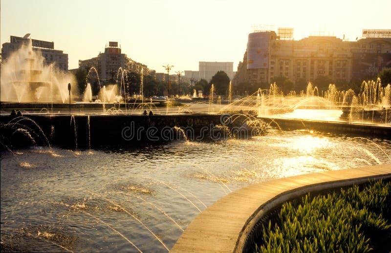 Fontaines d'eau de Bucarest images stock