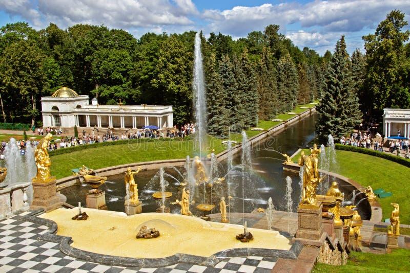 Fontaines montantes en cascade photo libre de droits