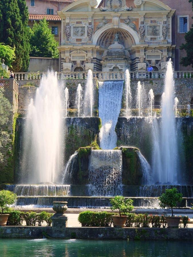Fontaines villa d 39 este tivoli italie photo stock for Vajilla villa d este