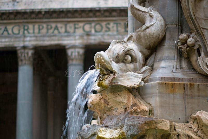 Fontana台尔Pantheon在罗马市,意大利 库存图片