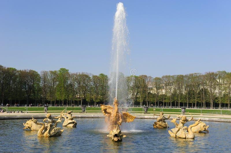 Fontana al palazzo di Versailles immagini stock