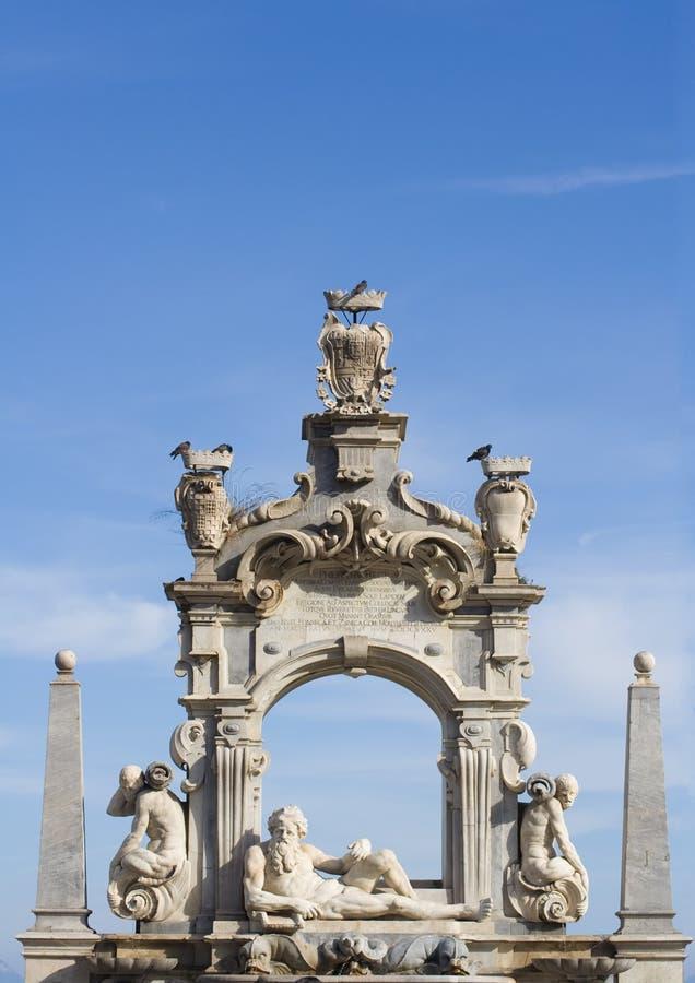 Fontana barrocco della scultura immagine stock