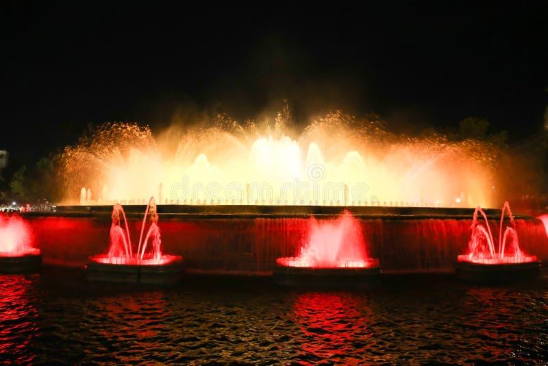 Fontana con le luci - Barcellona fotografie stock libere da diritti