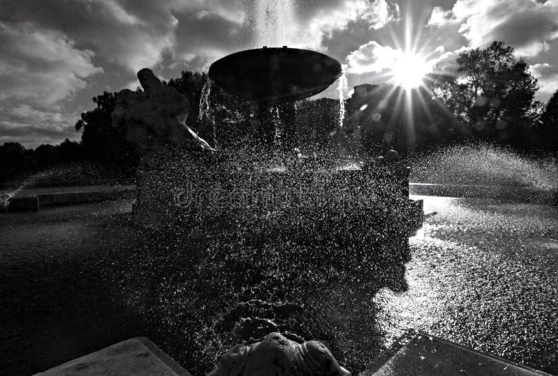 Fontana davanti a Cleveland Museum di arte fotografia stock
