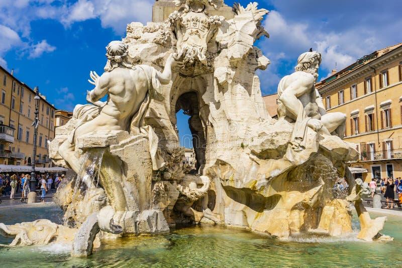 Fontana dei Quattro Fiumi à Rome, Italie images stock