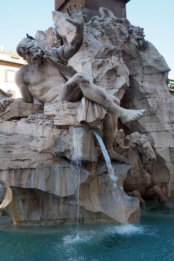 Fontana-dei Quattro Fiumi in Navona-Quadrat in Rom, Italien stockfotos