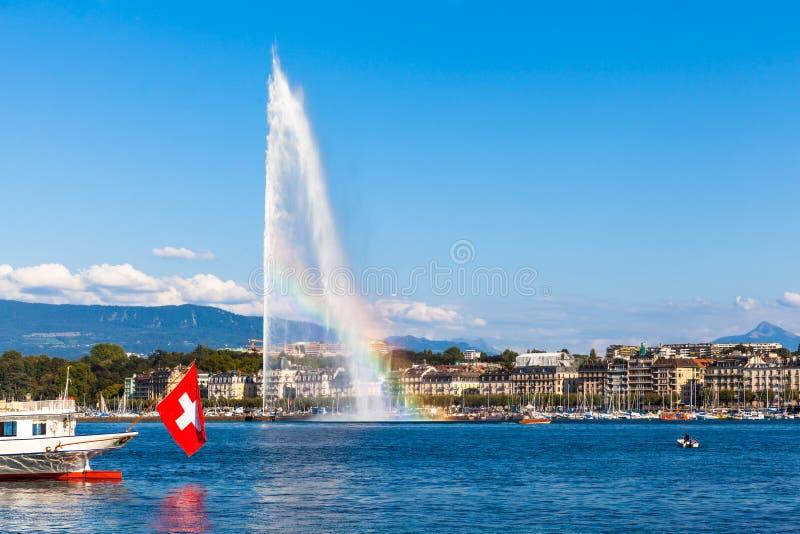 Fontana Del Getto Di Acqua Con L'arcobaleno A Ginevra Immagine Stock -  Immagine di esterno, bandierina: 59315529