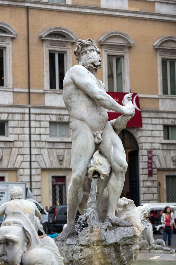 Fontana del Moro (amarre la fuente) en la plaza Navona Roma, foto de archivo