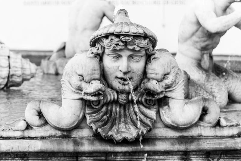 Fontana del Moro, of legt Fontein, op Piazza Navona, Rome, Itali? vast Gedetailleerde mening van beeldhouwwerken stock afbeelding