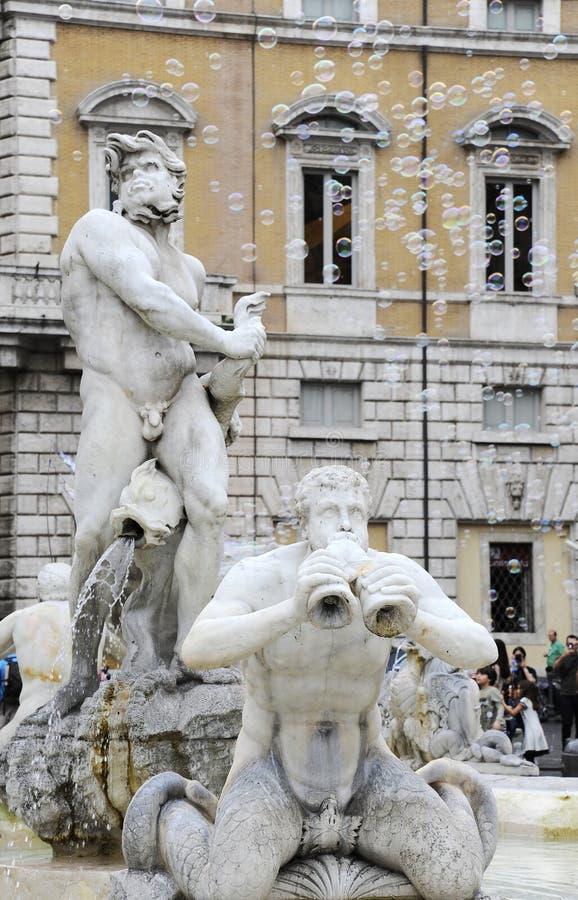 Fontana del Moro in Piazza Navona, Beroemd vierkant vulde met fonteinen in het hart van Rome, hoofdstad van Italië Zeepbels op royalty-vrije stock afbeeldingen