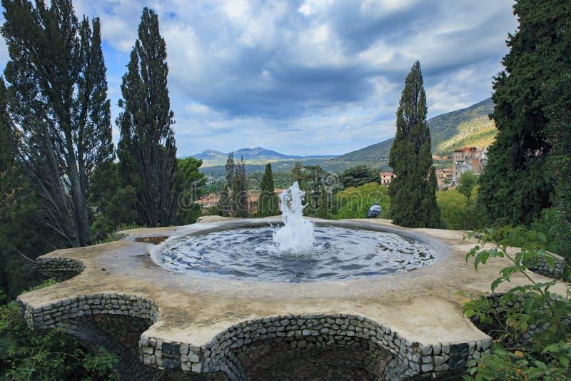 Fontana del sito importante del patrimonio mondiale di Este Tivoli del d' della villa e della destinazione di viaggio import immagini stock libere da diritti
