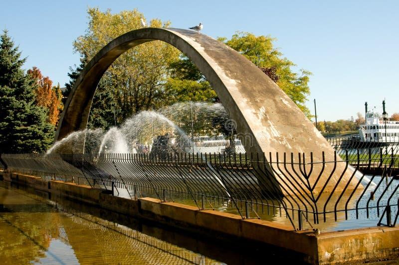 Fontana dell'arco di confederazione fotografie stock libere da diritti