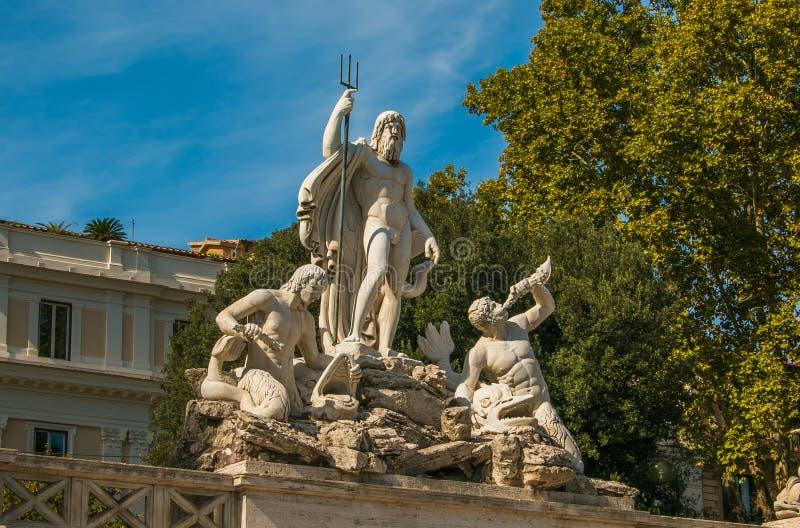 Fontana di Nettuno in Piazza del Popolo, Roma immagini stock libere da diritti