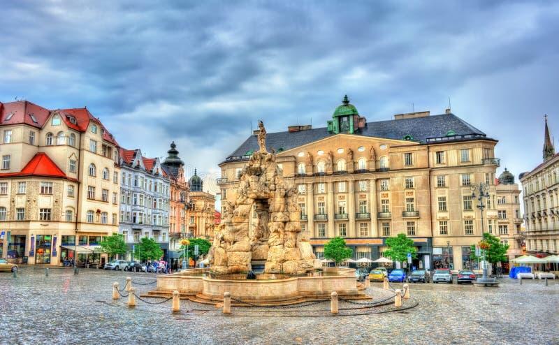 Fontana di Parnas sul quadrato del trh di Zerny nella vecchia città di Brno, repubblica Ceca immagine stock libera da diritti