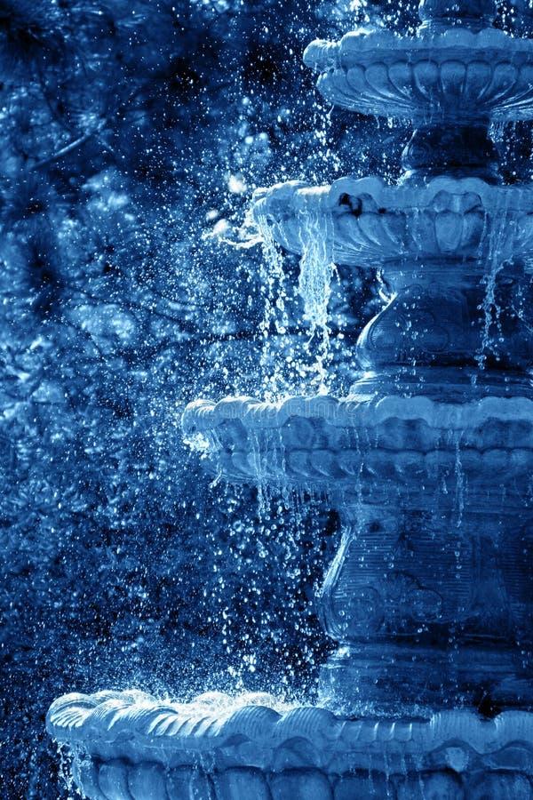 Download Fontana di rinfresco fotografia stock. Immagine di fontana - 216780