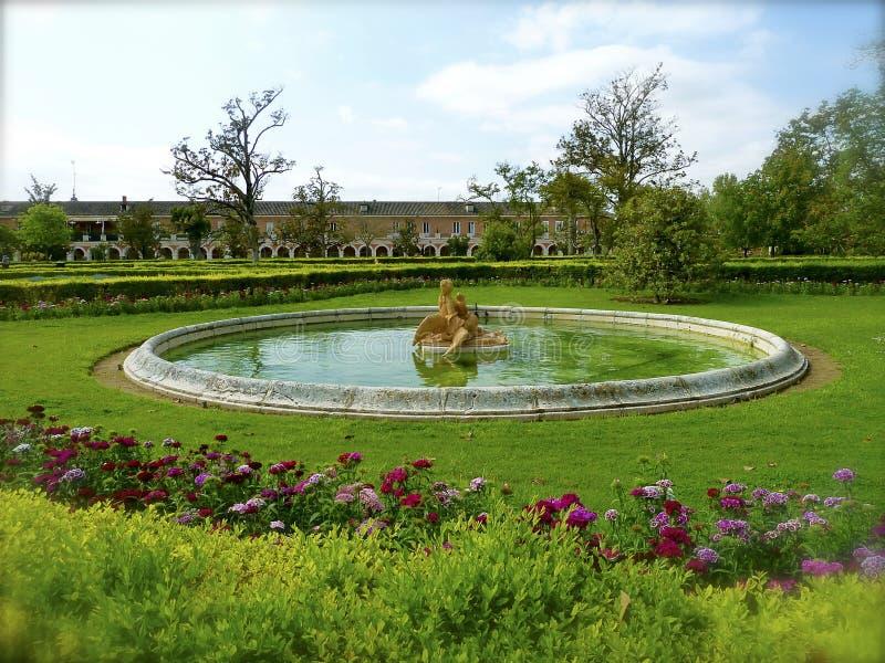 Fontana di Royal Palace del giardino di Aranjuez immagini stock