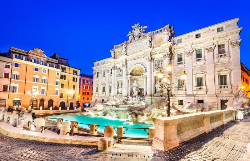 Fontana di Trevi em Roma, Italy fotos de stock