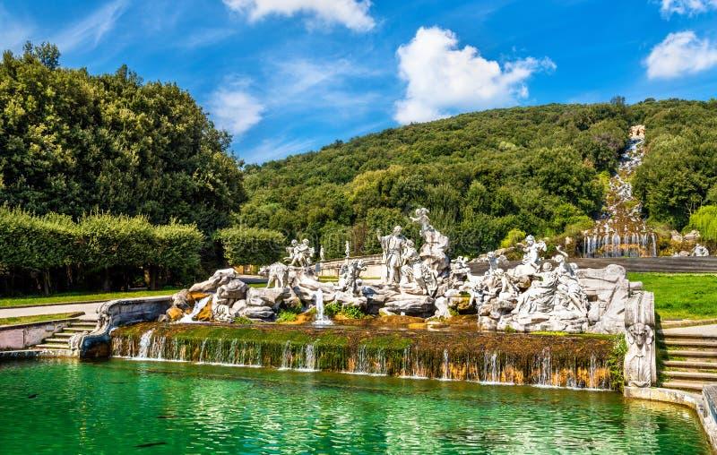 Fontana di Venere e Adone a Royal Palace di Caserta immagine stock