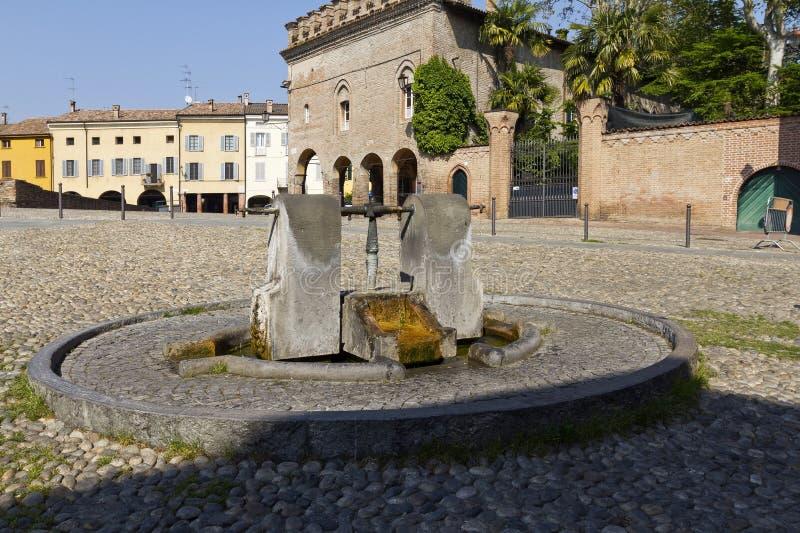Fontana in Fontanellato fotografie stock